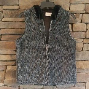 Liz Claiborne Chevron Full Zip Hooded Vest. NWOT